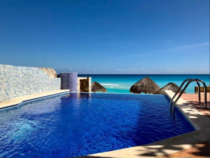 Extravagant beach house